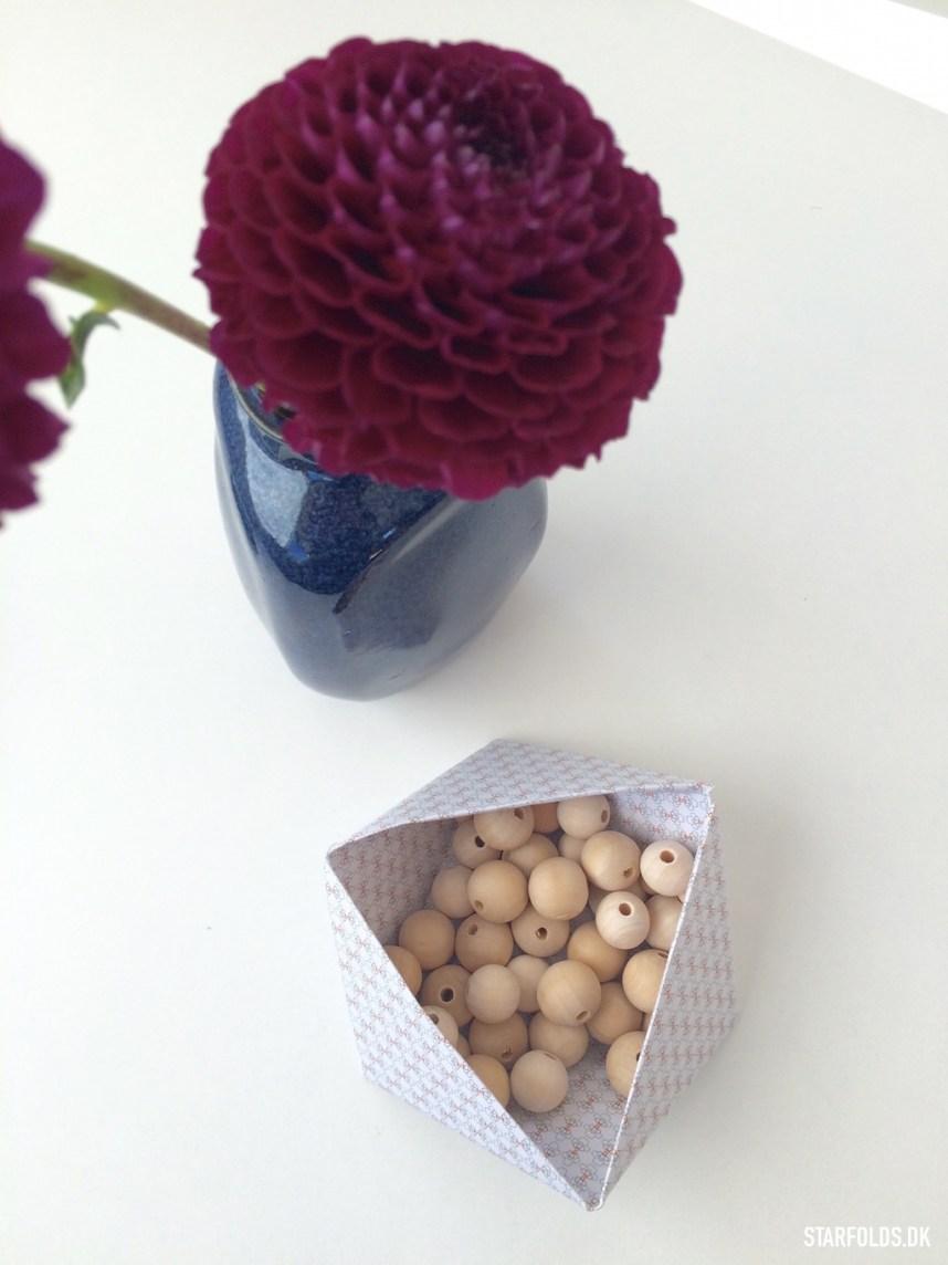 Geometriske æsker i papir til at holde styr på dine smykker eller nips