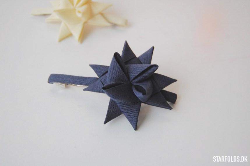 DIY Sådan laver du smuk hårpynt udaf en flettet julestjerne
