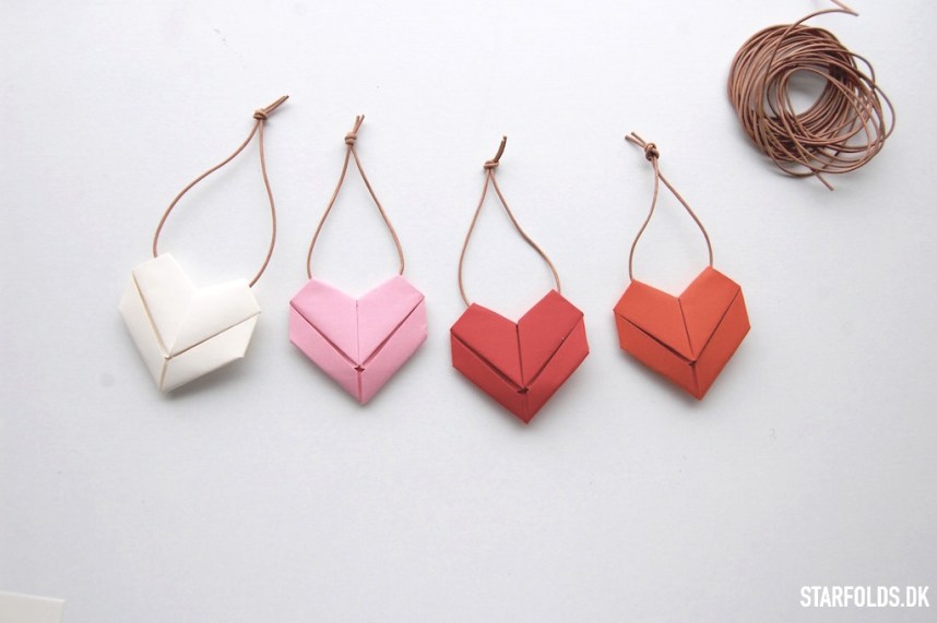DIY origami hjerter i papir færdigfoldet