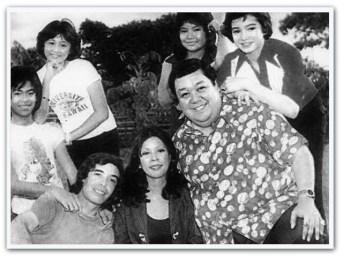 ARTICLES - Winnie Santos in Apat na Sikat