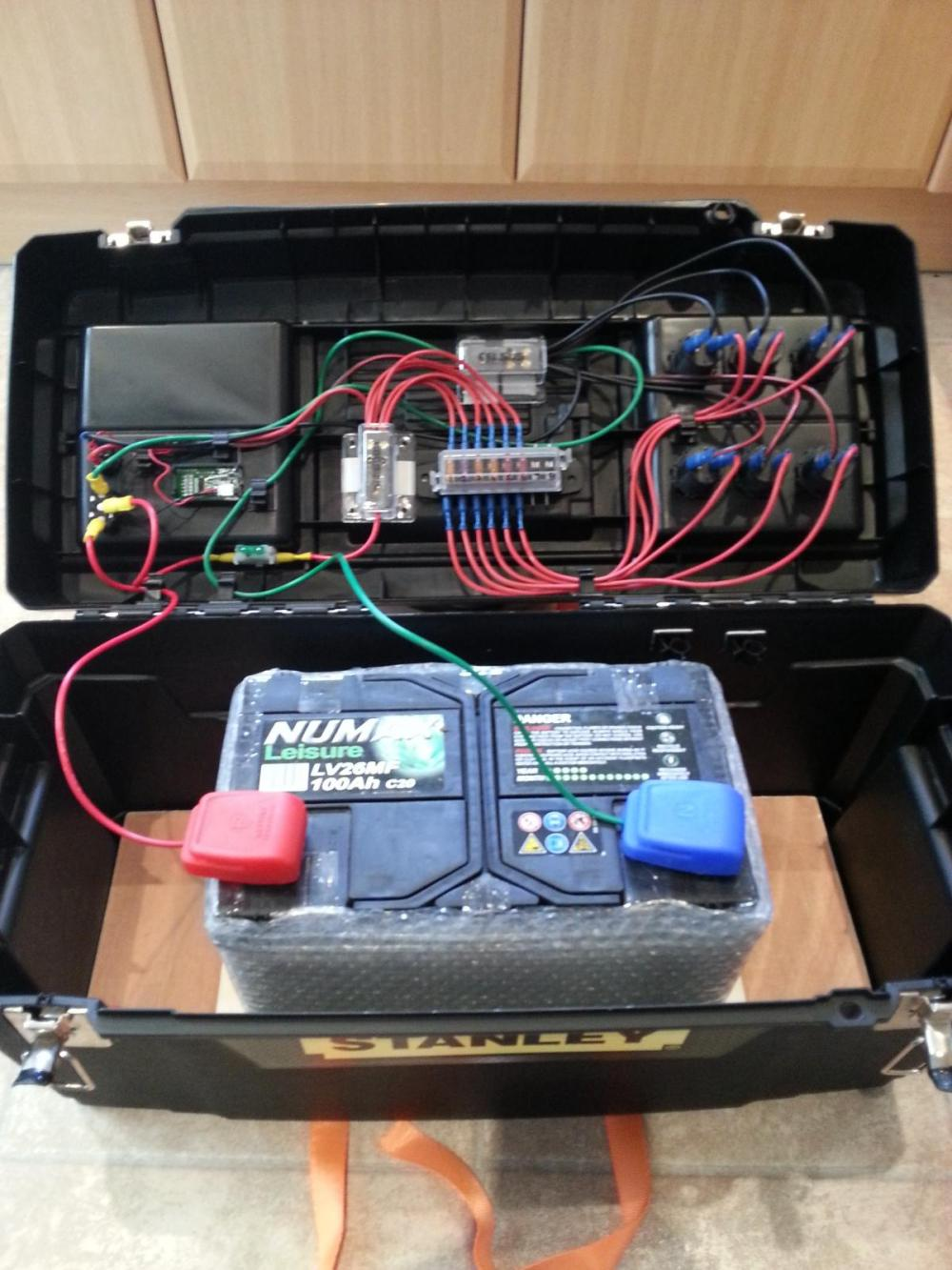 medium resolution of my new leisure battery case diy astronomer stargazers lounge 12v leisure battery fuse box