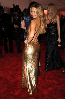 Kate Hudson in Shimmering Gold