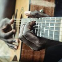 Fingerstyle vom Feinsten: Wie Gabriella Quevedo mit ihrer Gitarre verzaubert