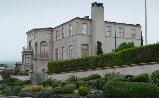 10 Mansions Haunted By Dead Celebrities Celebrity Homes