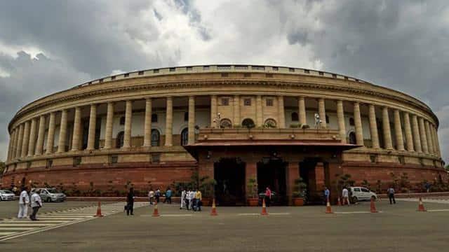 संसद का मानसून सत्र: कम समय में ज्यादा कामकाज पर सरकार का जोर