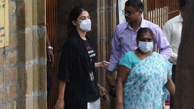 क्या रिया की दलीलें दिला पाएंगी उनको और शोविक चक्रवर्ती को जमानत? मुंबई की स्पेशल कोर्ट कल सुनाएगा फैसला
