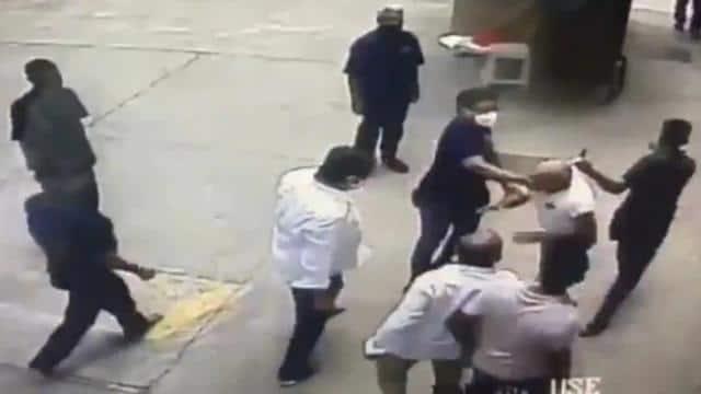 कार्टून शेयर करने पर मुंबई में रिटायर्ड नेवी अफसर की शिवसेना वर्कर्स ने की पिटाई, सामने आया VIDEO