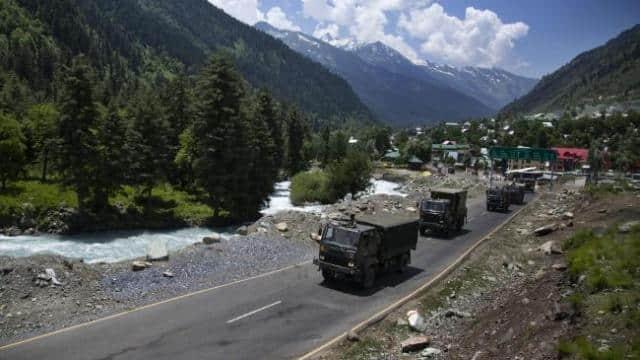 India-China Standoff: लद्दाख में भारत-चीन के बीच चरम पर तनाव, बीते 20 दिनों में 3 बार हुई है फायरिंग
