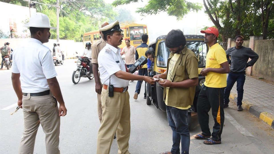 Operation Decoy: Auto drivers booked for fleecing passengers