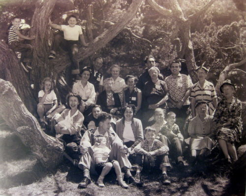 Some founders: Gil, Ruth, Tom and Stanley Weiner; Marian, Bill, Jill, Judy,Mina and Steven Balche ?); Ray and Betty Busch; Jack, Cathy, and Johhny Dye; Edith Argento