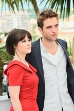 Emily Hampshire & Robert Pattinson