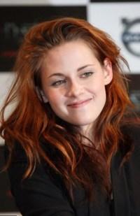 Celebrity Kristen Stewart - hair changes, photos, video