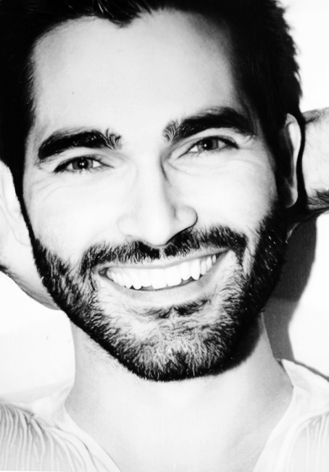 Tyler Hoechlin Weight Height And Age We Know It All