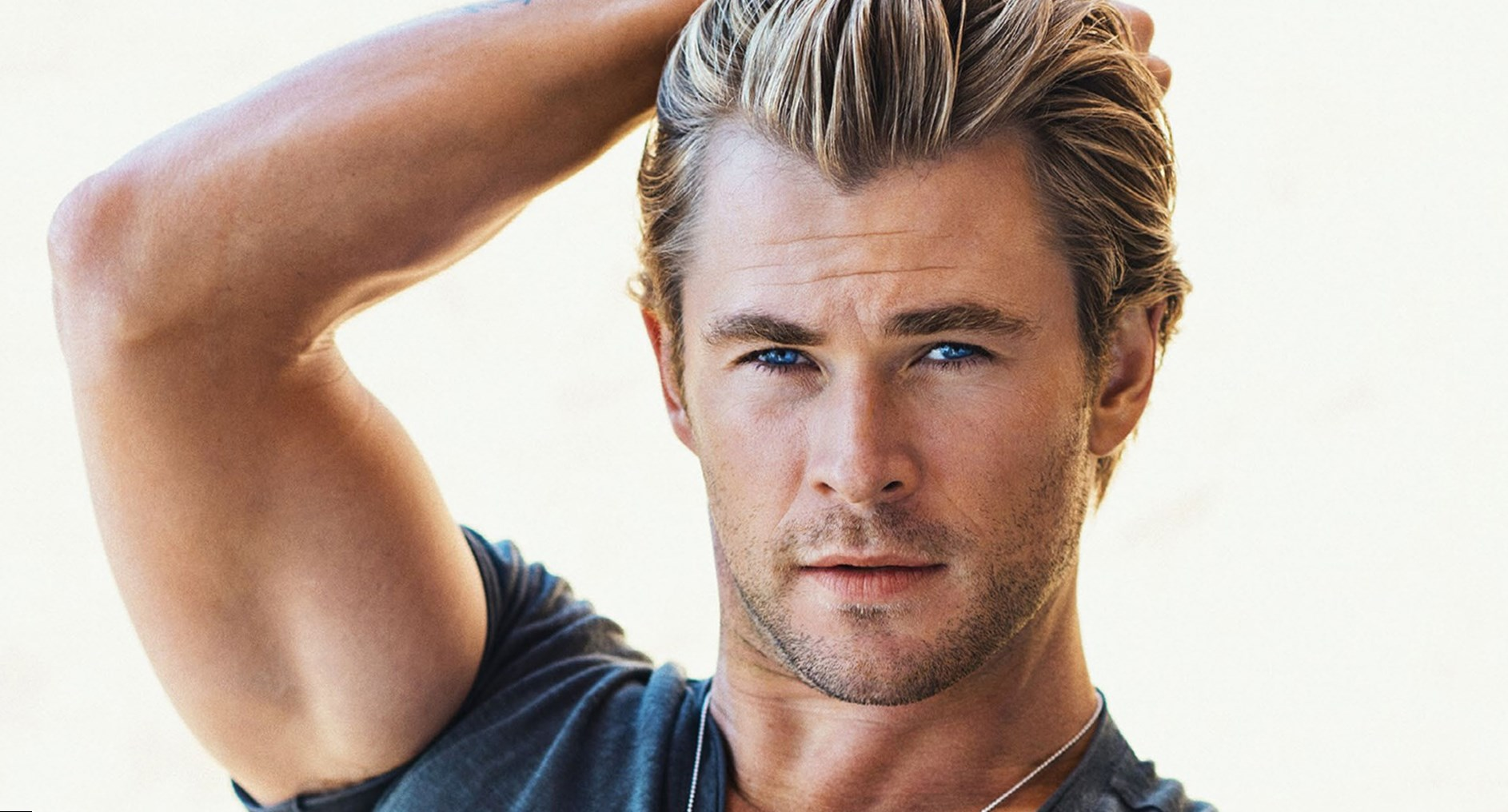 Chris Hemsworth weight height and age Body measurements
