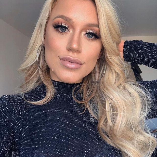 Elle-Brooke-bio