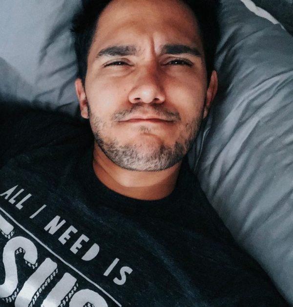 Carlos-PenaVega-bio-starsgab