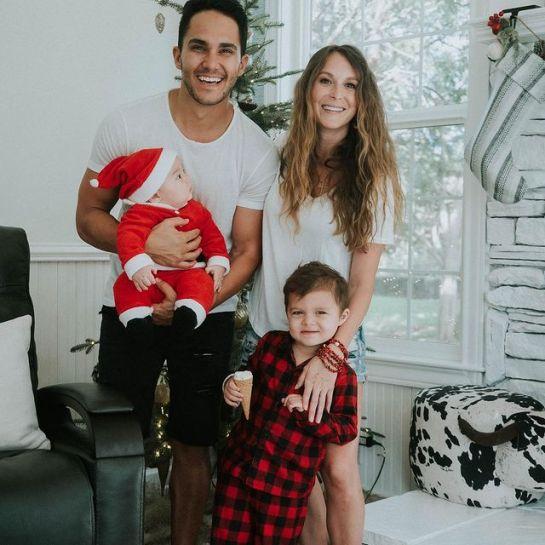 Carlos-PenaVega-with-his-family-starsgab