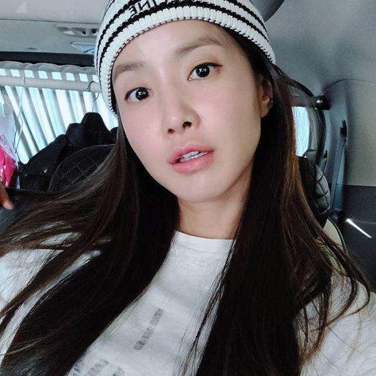 Lee-Si-yeon-age