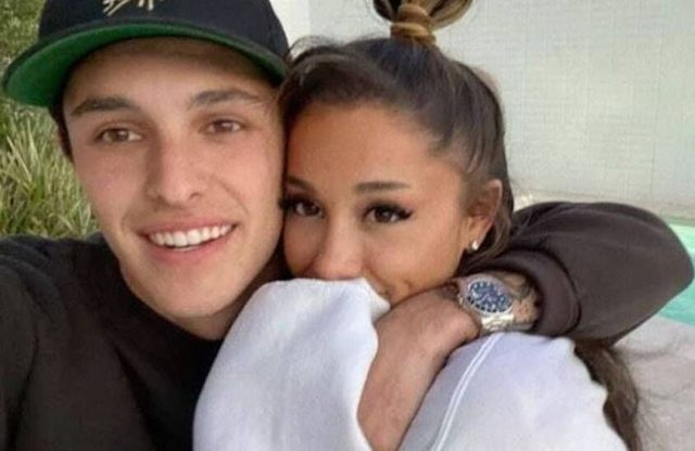 Dalton-Gomez-with-his-wife-image