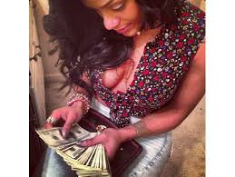 joseline counting money