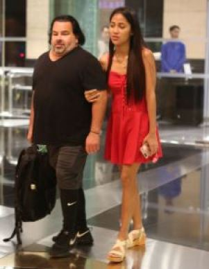 Big Ed [90 Day Fiance] Wiki, Height, Neck, Rose, Daughter - Stars ...