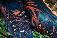Conquer the trail, ladies, with this navy and pink combination of the Agility Peak Flex