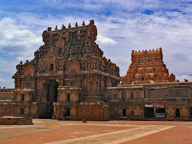 historical-monuments-Tamil-Nadu