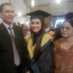 Ayeza Khan with her parents