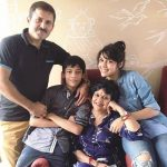 eisha singh with her family