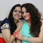 Siddharth Gupta mother with sister