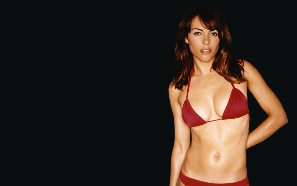 Elizabeth Hurley  X Wallpaper Download Starswallpaper Vwall Com