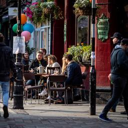 Britse economie groeit weer na coronaversoepelingen in het voorjaar