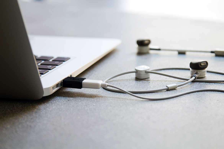 pugz_charging_laptop