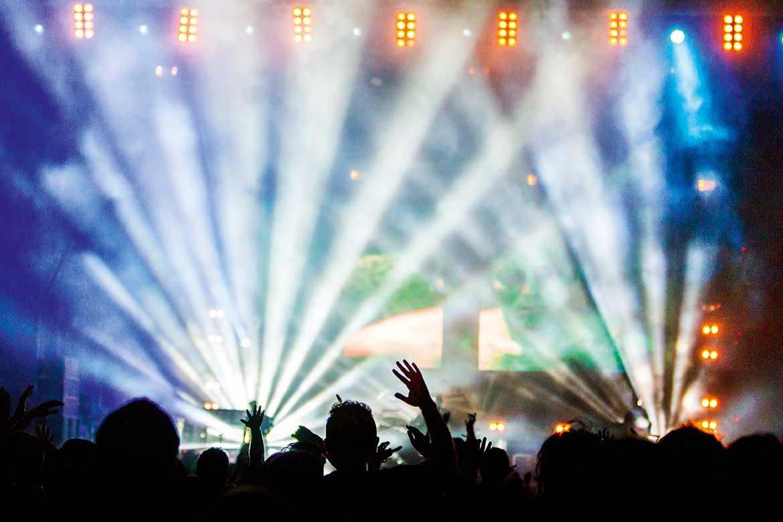 Stagehands kommer längst ned i eventpyramiden och kunderna förväntar sig inte mycket. Det vill Rigo ändra på.