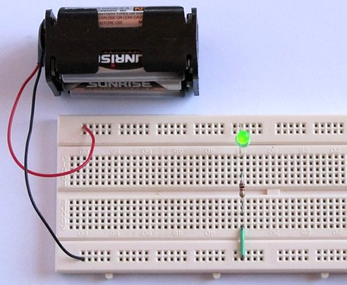 Tutorial 1 Building A Circuit On Breadboard For Beginners In