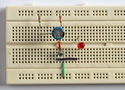 Leds Using The Simple 2 Transistor 2 Capacitor And 2 Resistor Circuit