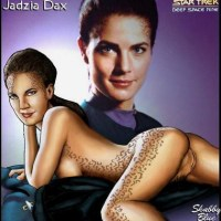 Jadzia Dax posing nude to get even more fans!