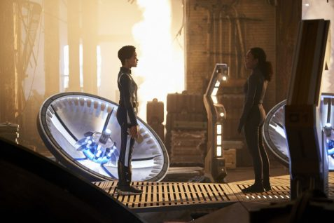 """""""Perpetual Infinity"""" -- Ep#211 -- Pictured: Sonequa Martin-Green as Burnham; Sonja Sohn as Burnham's mom of the CBS All Access series STAR TREK: DISCOVERY. Photo Cr: Steve Wilkie/CBS ©2018 CBS Interactive, Inc. All Rights Reserved."""