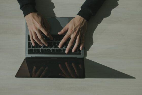 Avantages et bénéfices de faire appel à un prestataire informatique