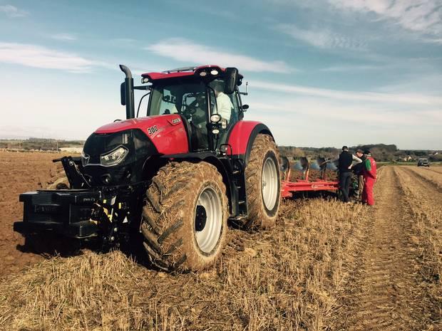 Cassava Smartech launches Vaya Tractor