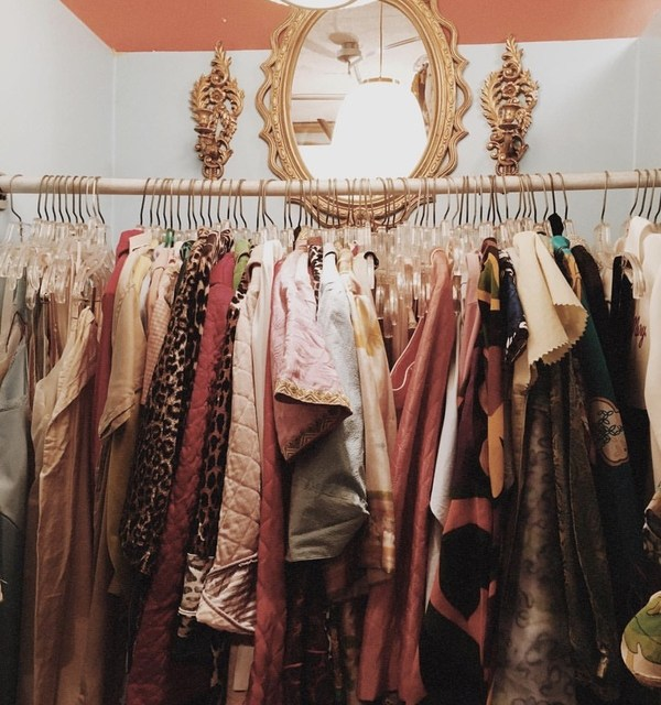 Tips for starting a vintage clothing business in Zimbabwe