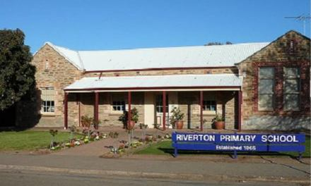 Riverton Academy Figures Out A Way To Get Forex In Cash