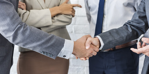 What You Need To Know About Collaborating With Your Competitors