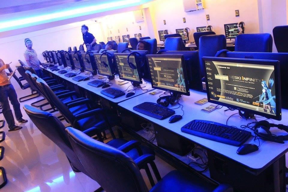 Starting a Profitable Internet Cafe Business - StartupBiz Global
