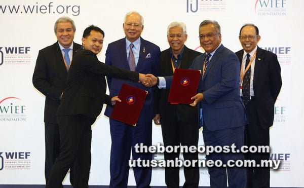 UNIMAS and RESONICS Cooperation in Developing Smart City and Industry 4.0