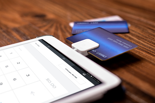 Using SmartPhone to process Credit Cards - Best Ways For A Small Business To Accept Credit Cards