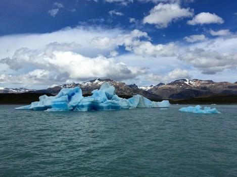 Upsala-Glacier-Iceberg-chunks-1314