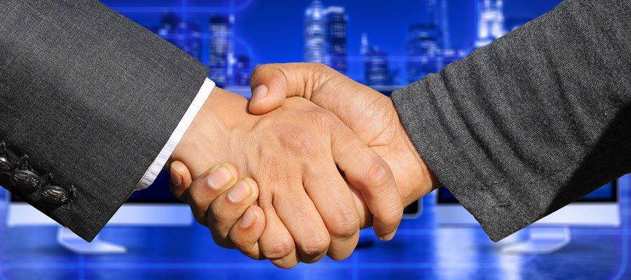 M&A Handshake (Bild: Pixabay)