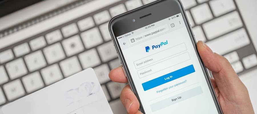 Onlineshop Bezahlmethode (Bild: Shutterstock)
