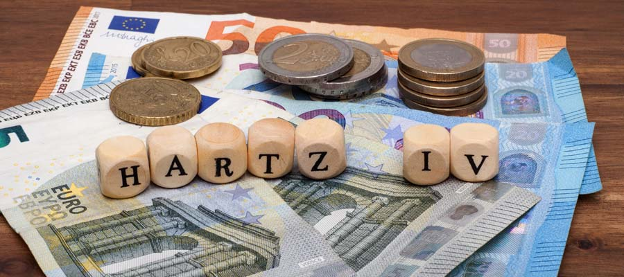 Selbstständig Grundsicherung Hartz IV Arbeitslosengeld 2 (Bild: Shutterstock)